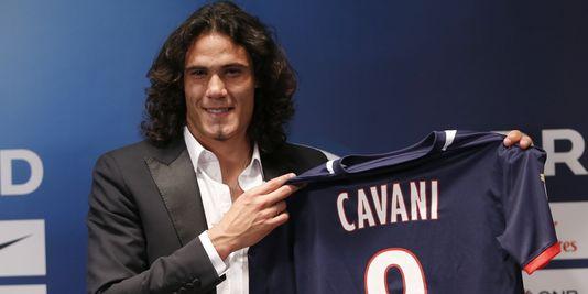 PSG : Manchester United prêt à mettre 72 millions d'euros pour Cavani !