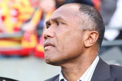 """RC Lens : Kombouaré """"j'attends de voir les moyens que l'on mettra à la disposition du club"""""""