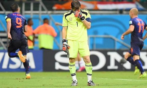 CM2014 : Robben & Co mettent une fessée aux Espagnols (5-1)