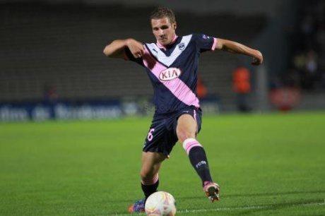 Bordeaux : Un club de Premier League sur Sertic !
