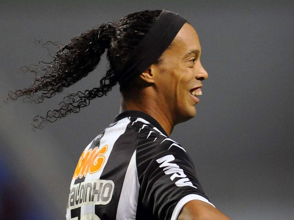 OFFICIEL : Ronaldinho est un joueur libre !