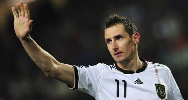 OFFICIEL : Klose raccroche les crampons Allemands !