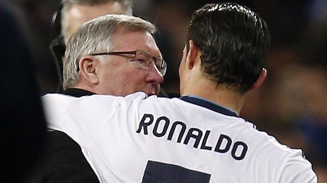 Manchester United prêt à offrir un salaire stratosphérique à Ronaldo !