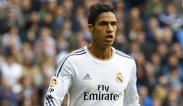 Raphaël Varane a prolongé jusqu'en 2020 au Real Madrid