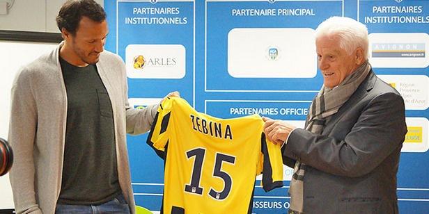 Officiel : Jonathan Zebina s'est engagé à  Arles-Avignon