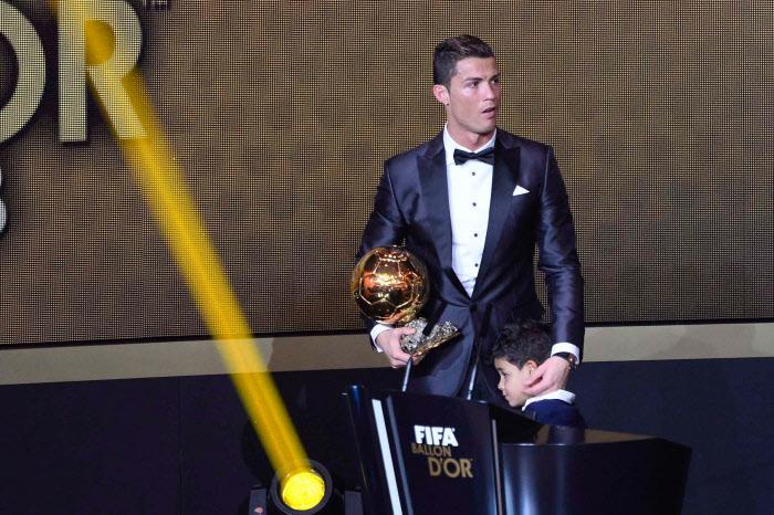 Ballon d'Or : Cristiano Ronaldo vise le triplé !