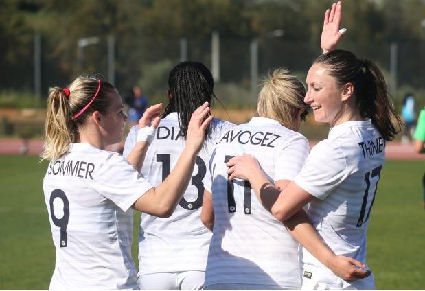 L'Équipe de France féminine en finale de l'Algarve Cup face aux USA