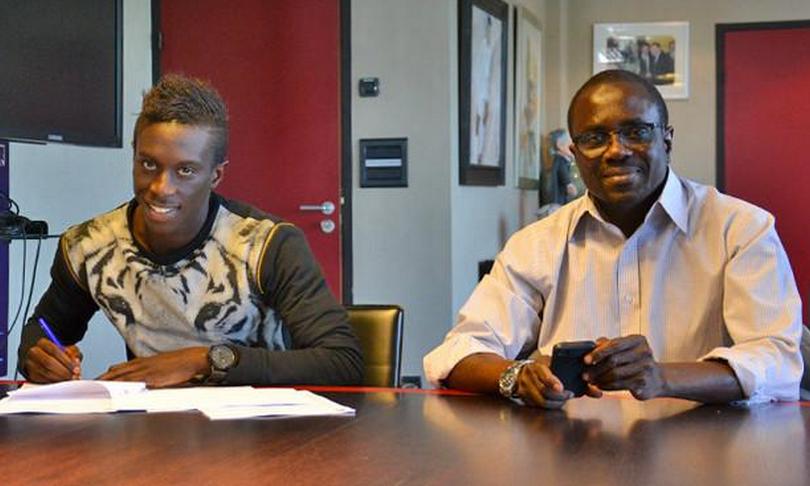Mour Paye prolonge son contrat à Lyon