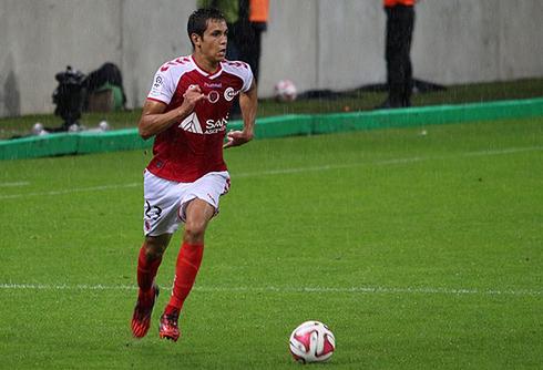 L'entraîneur de Lyon continue de suivre Aïssa Mandi