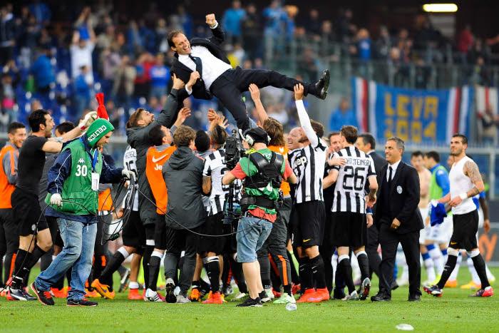 4e titre de suite pour la Juventus et le tout premier pour Massimiliano Allegri à la tête des Bianconeri. Y'a de la joie!