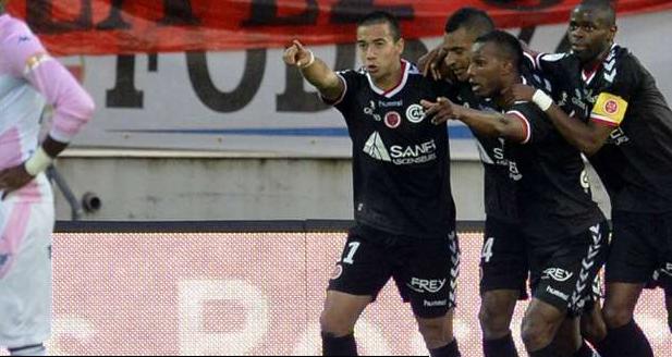 Le stade de Reims peut remercier David N'Gog auteur de deux buts contre Évian