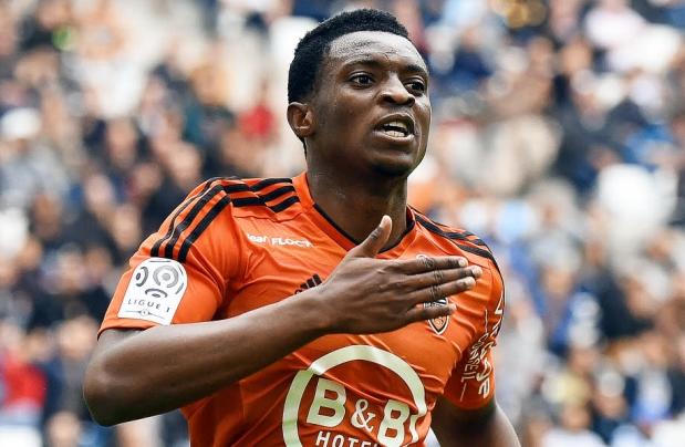 L'attaquant du FC Lorient Benjamin Moukandjo