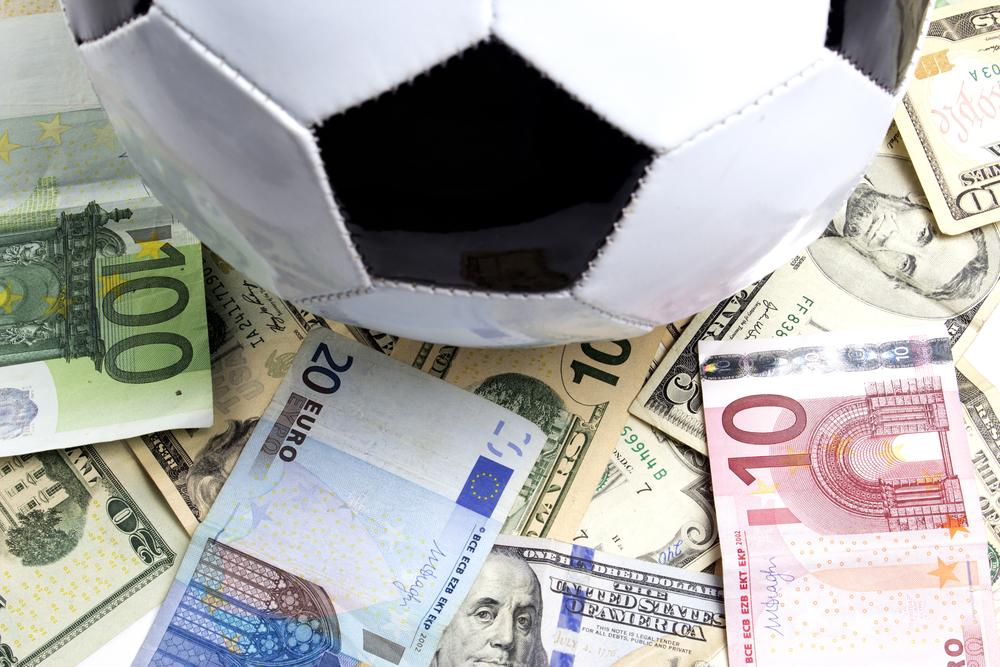 Entre dépenses vertigineuses et mauvais résultats, Louis van Gaal a fait perdre une fortune à Man United