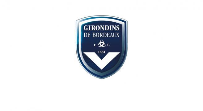 Bordeaux : Tavernost tape du poing sur la table