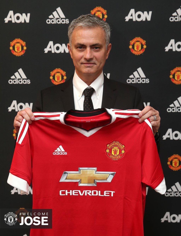 OFFICIEL ! José Mourinho débarque à Manchester United !