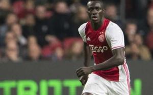 Mercato - Ajax : Des dirigeants du Barça à Amsterdam pour Davinson Sánchez