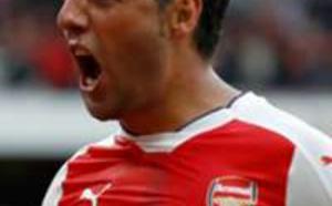 Arsenal : Santi Cazorla n'est pas prêt de refouler les terrains