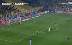 Besiktas : l'énorme frappe de Ryan Babel face au Fenerbahçe