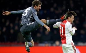 Ajax - Bayern : le tacle assassin de Thomas Müller