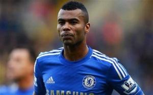 Chelsea : Ashley Cole vers Liverpool ?