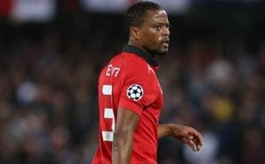 Patrice Evra prolonge à Manchester United