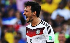 Man United : Offensive pour un défenseur de Dortmund ?