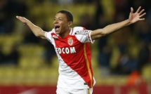 Karim Benzema compare Kylian Mbappé à Neymar
