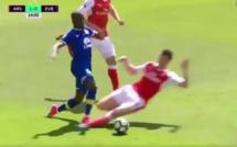 Arsenal - Everton : Laurent Koscielny expulsé après avoir découpé Enner Valencia (vidéo)