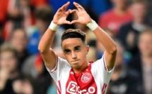 Le soutien apporté par les supporters de l'Ajax Amsterdam à la famille d'Abdelhak Nouri