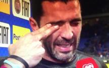 La légende Gianluigi Buffon en larmes après Italie - Suède