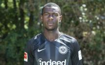 Le PSG suit de près Evan N'Dicka (Eintracht Francfort)
