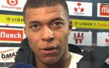 Bruges - PSG : Philippe Clément à genoux devant Mbappé