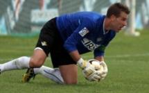 West Ham : Adrian va signer