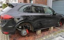 Photo : Lewandowski retrouve sa voiture sans roues !