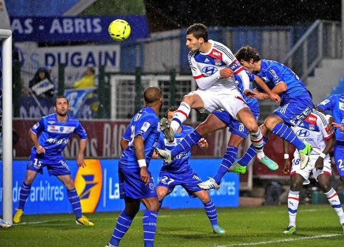 Un duel Lyon-Paris se profile en tête...