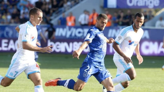 Marseille stagne, Monaco tient le choc